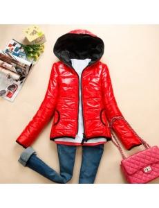 Женская куртка цвет красный