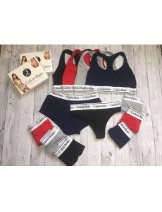 Женский набор тройка топ-стринги-шорты Calvin Klein. Цвет красный